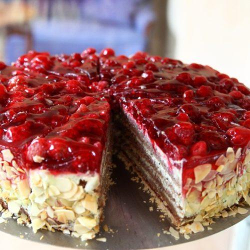 Künstlercafé mit hausgemachten Torten, Kuchen und Waffeln sowie Kaffee- und Teespezialitäten